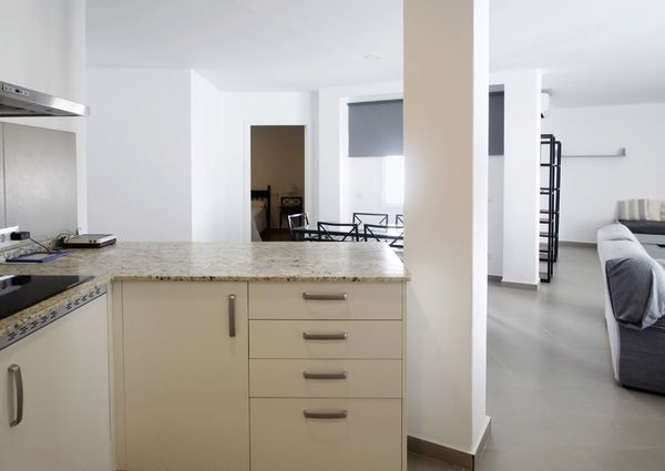 Two bedroom apartment with sea views in Paseig Maritim, Palma