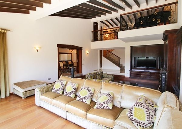 Luxury villa by the golf course in Son Vida